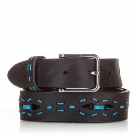 Cinturón con picados y pasados de piel negro