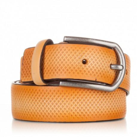Cinturón grabado de piel mostaza